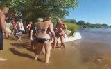 Bikinili Kızların Kavgası