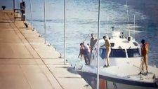 Amirallerin Donanma'dan Kaçma Anı Kameralara Yakalandı