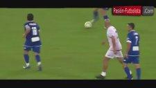 Dostluk Maçında Maradona'nın Veron'a Diklenmesi