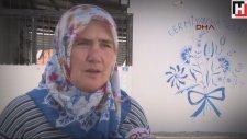 Yaşadığı Köyü Tuvale Çeviren İzmirli Teyze