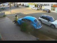 Kendini Zorla Arabaya Çaptırmak
