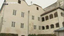Hitler'in Doğduğu Evin Yıkılması