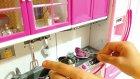 Barbie Yeni Mutfağımı Görmeye Geldi Slime Çorbası Hazırladım - Melike Evcilik Oynuyor