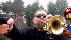 Mario'nun Tema Müziğini Silah Ve Trompet İle Cover'layan Adam