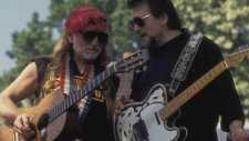 Waylon Jennings & Willie Nelson - Mama's Don't Let Your Babies Grow Up To Be Cowboys
