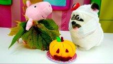 Çizgi Film Oyuncakları Peppa Pig Ve Mel Cadılar Bayramı Kutluyorlar - Halloween Kostüm Partisi!