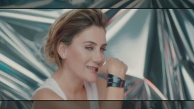 Ayla Çelik - Altın Sarısı (Official Video)