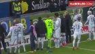 Futbolcular, Galibiyet Sevincini Tribündeki Tek Taraftarıyla Paylaştı