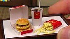 McDonald's'ın Big Mac'i Minyatür Olarak Nasıl Hazırlanır?