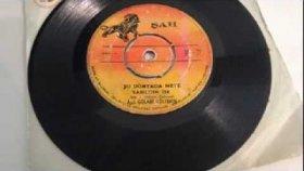 Aşık Gülabi - Şu Dünyada Neye Darıldım İse - Nostalji Müzik
