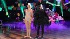Ellen ve Heidi Klum'dan Orijinalini Aratmayan Sia Performansı