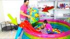 Havuza 500 Top + Kaydırak Ekledik Süper Oldu | Eğlenceli Havuz Videosu