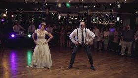 Gelin ve Babasından Çılgın Düğün Dansı
