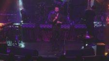 Mehmet Erdem - Böyle Ayrılık Olmaz (Canlı Performans)
