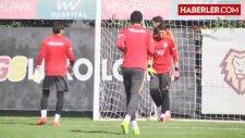 Riekerink, Fenerbahçe Maçına İlk Kez 3'lü Orta Saha ile Çıkacak