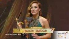 En İyi Kadın Oyuncu - Burçin Terzioğlu (43. Pantene Altın Kelebek Ödülleri - 13 Kasım 2016)