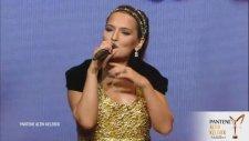 Demet Akalın - Hayalet (Pantene Altın Kelebek Ödülleri)