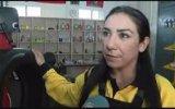 Kuaförlüğü Bırakıp Oto Lastikçisi Olan Kadın