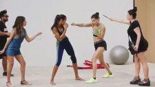 Adriana Lima'da Mannequin Challenge Akımına Katıldı
