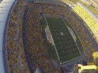 3500 ft. Yükseklikten Stadyum'a Atlamak