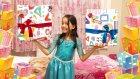 Elsa Melike 3 Sürpriz Hediye Paketinden En Güzelini Seçiyor Ve Oynuyor