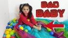 Kötü Bebek Melike Top Havuzunu Kesip Biçiyor | Bad Baby Melike Cut Pool