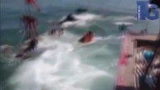 Okyanusa Açılmaya Hazırlanan Tekne Saniyeler İçinde Battı