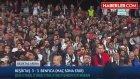 Beşiktaş'ta Futbolcular Gole Sevinirken Atiba Formayı Almaya Gitti