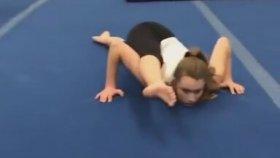 Jimnastik Antrenmanında Mannequin Challenge Yapmak