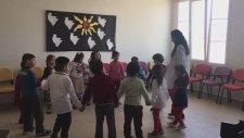 Uzun Kulaklı Tavşan Adana Yüzüncü yıl Mektebim Okulu Müzik Öğretmeni Melisa Gür