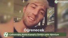 Hakan Çalhanoğlu Sloven Futbolcuya Türkçe Şarkı Söyletiyor