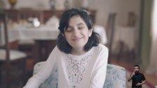 Turkcell'in Duygulandıran Görme Engelli Kız Reklamı