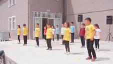 Salim Uçar İlkokulu /yollarda Bulurum Seni(23 Nisan Gösterisi)