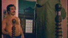 Boşver Arkadaş Filminin Tv'de Gösterilmeyen Sahnesi