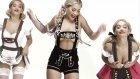 Rita Ora'dan Love Advent Klibinde Yarı Çıplak Dans