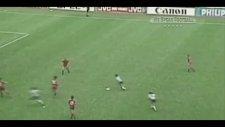 Futbol Tarihinin Gelmiş Geçmiş En İnanılmaz 10 Bireysel Performansı