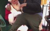 Noel Babayı Aşırı Güldüren Aşırı Büyük Çocuk