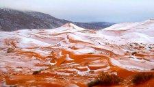 Sahra Çölü'ne 37 Yıl Sonra Yağan Kar
