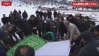 Tolga Zengin, Annesinin Mezarını Ziyaret Etti