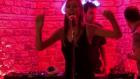 Şeyma Subaşı Yılbaşı Partisinde Şarkı Söyledi