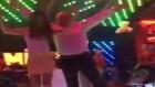 Pavyonda Dansın Sınırlarını Zorlayan Dayı