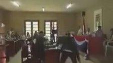 Bolivya Devlet Başkanı Porno İzlerken Yakalandı