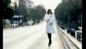 Reyhan Karaca - İki Gözüm (Official Video)