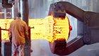 Devasa Demir Dövmek İçin Kullanılan Makineler Nasıl Çalışır?