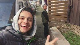Sokağa İşeyen Çinliyi Trolleyen Türk Genci