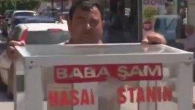 Adana'da Ceza'ya Taş Çıkarırcasına Tatlı Satan Abimiz
