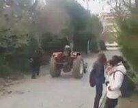 Traktörle Okula Gelen Sayko Liseli