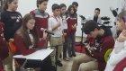 Sesi Güzel Öğrenci Melisaya Gitar ve Bateri Eşliği Avcılar Mektebim Okulu