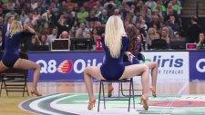 Litvanyalı Amigo Kızların Kötü Dansları - 2