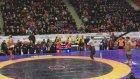 Baş Pehlivan Recep Kara 190 Kiloluk Sumo Güreşçisine Karşı